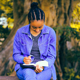 10 Helpful Tips To Help Make Journaling A Habit