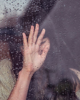 PTSD woman needing trauma therapy