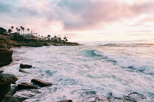 Waves crashing on the beach at La Jolla shores.