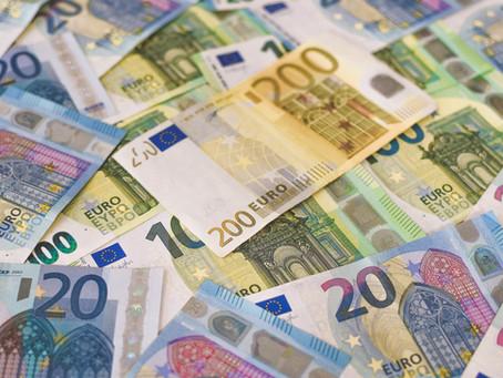 Mii de contribuabili trebuie să dea fiscului bani înapoi după o eroare administrativă