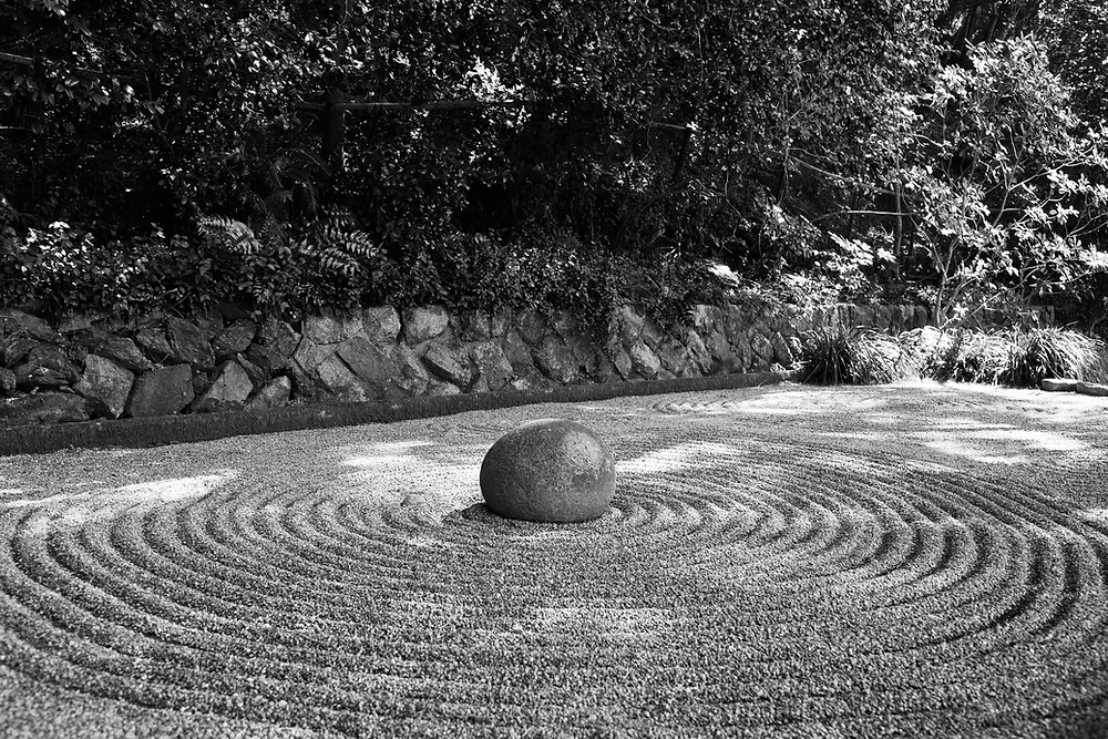 Labyrinth|Grief and Mourning in the Time of COVID-19