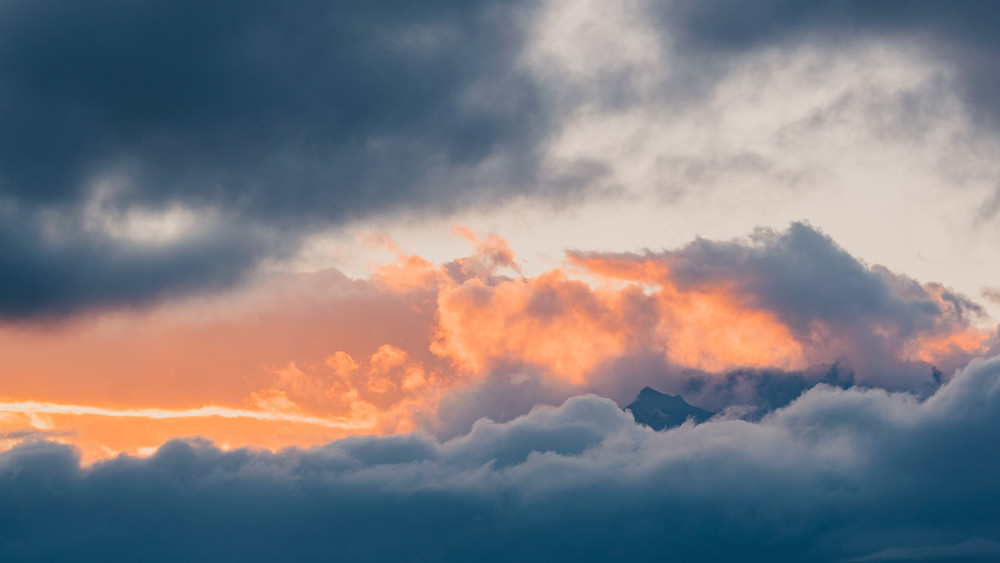image of beautiful sunset clouds