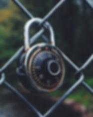 Informations- vs. IT-Sicherheit