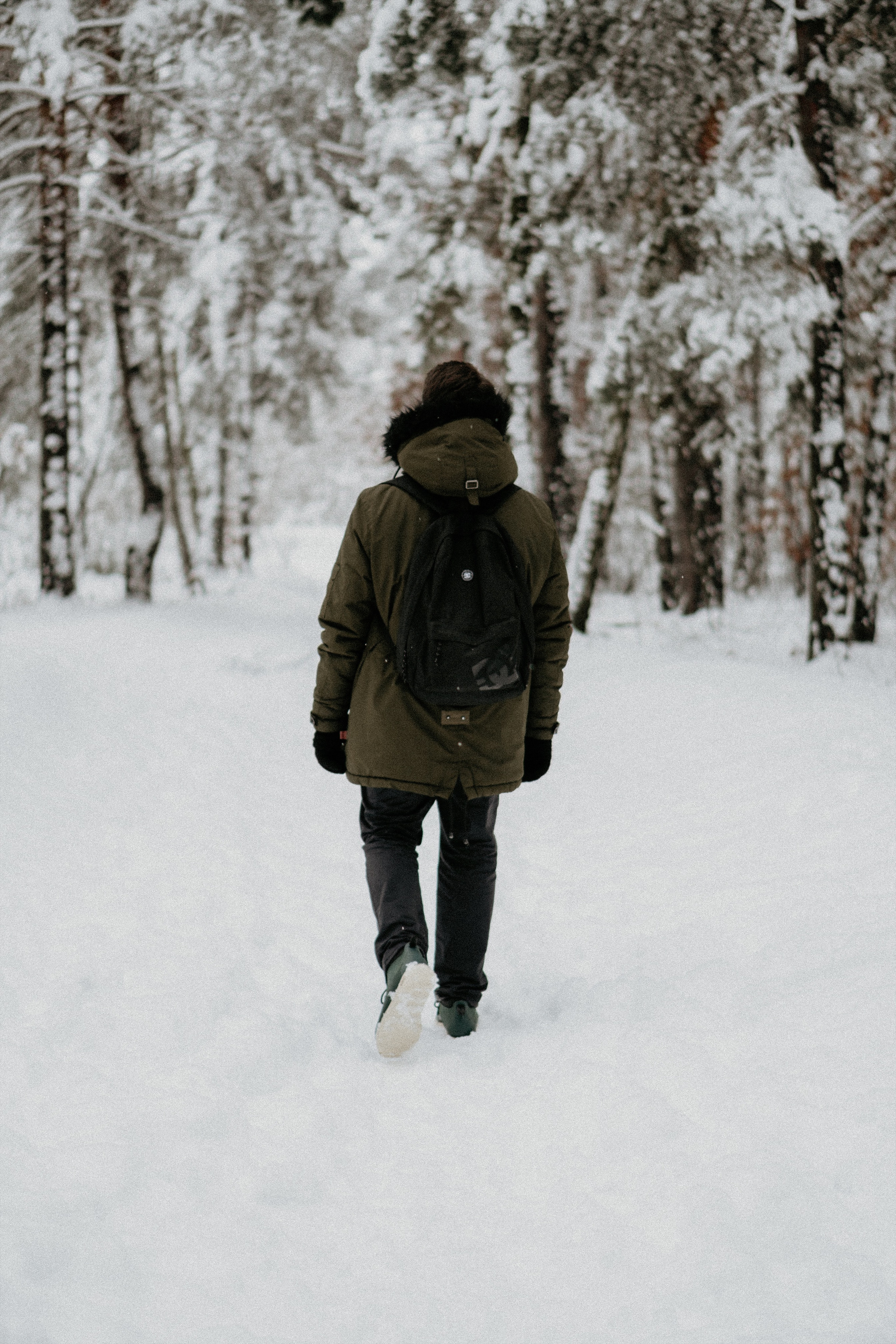26-male-winter-casual-outfits-camo-green-coat