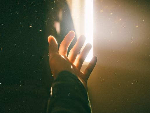 A Luz Que Veio ao Mundo