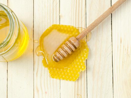 Raw Honey Helps Acne - Prone Skin