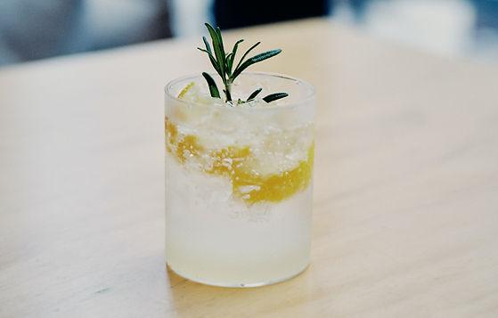 Les nouveaux gins de l'été - 4 liquides 100 % frais et locaux