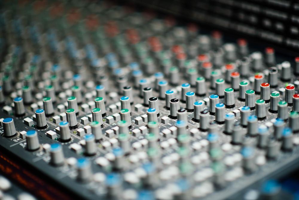 Console de mixage analogique
