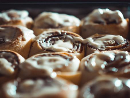 The Perfect Thanksgiving Morning Breakfast - Tangzhong Pumpkin Cinnamon Rolls