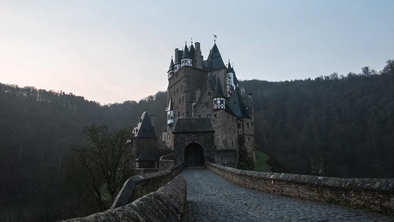 Mini-Campaign: Castle in the Shadows