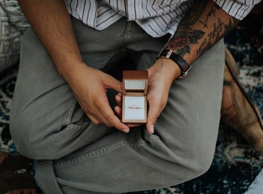 SOS! Hoe maak je je partner duidelijk dat je wilt trouwen?