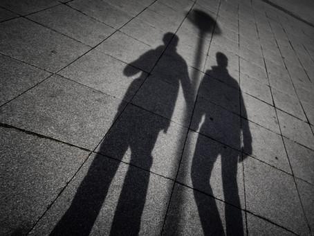 זרקור | עיון בשיר 'כלאחר יד' למשורר שי בוזגלו