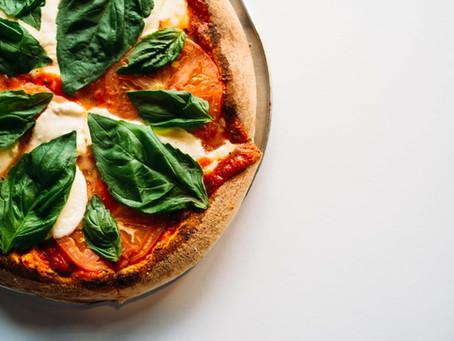 פיצה טבעונית עם המוצרלה של מיקול