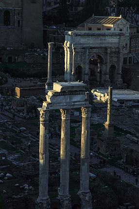 Ruins of the Roman Forum. The Grand Tour - Ariodante Luxury Travel Sabbatical