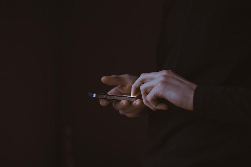 Εθισμός στο Διαδίκτυο: Πότε πρέπει να ανησυχήσω;