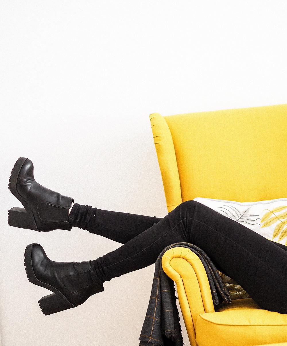 Millennial woman wearing black skinny jeans