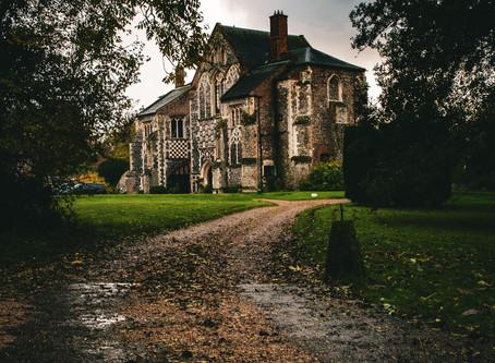 Writing a Gothic Romance Story