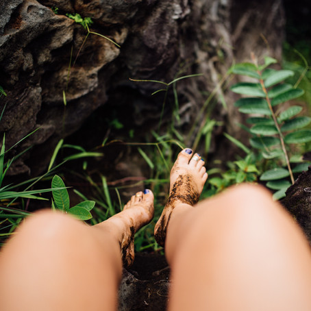 EARTHING - What Is It & Why You Should Be Doing It