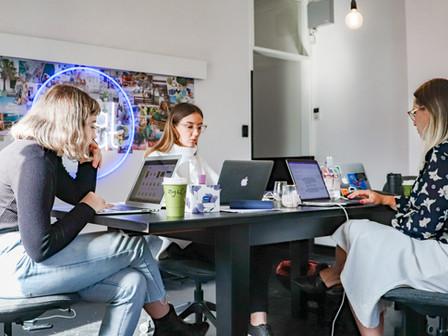 Alianza del Centro de Entrepreneurship del IAE y Telecom para impulsar emprendedores y startups