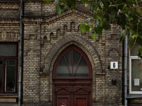 Feche as Portas da Igreja!