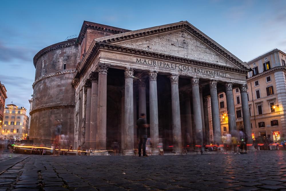 panteao romano ao anoitecer