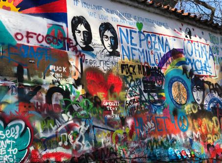 ¨All together now¨ La nueva  colección cápsula sustentable sobre lo s Beatles de Stella Mccartney