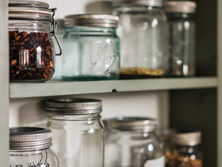 11 Must-Haves to Build a Basic Home Apothecary