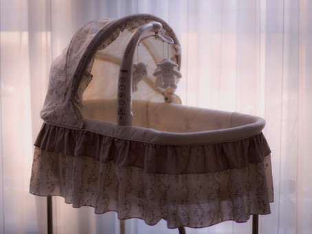 12 tips to make sharing your bedroom with your baby easier