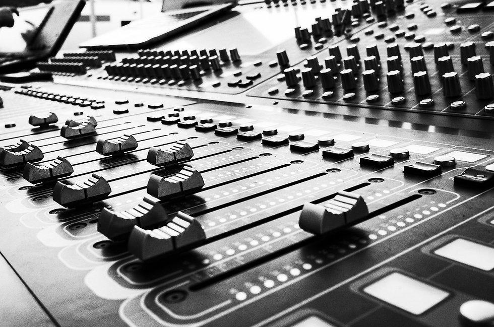 SIGNAL FLOW, HARDWARE & RECORDING
