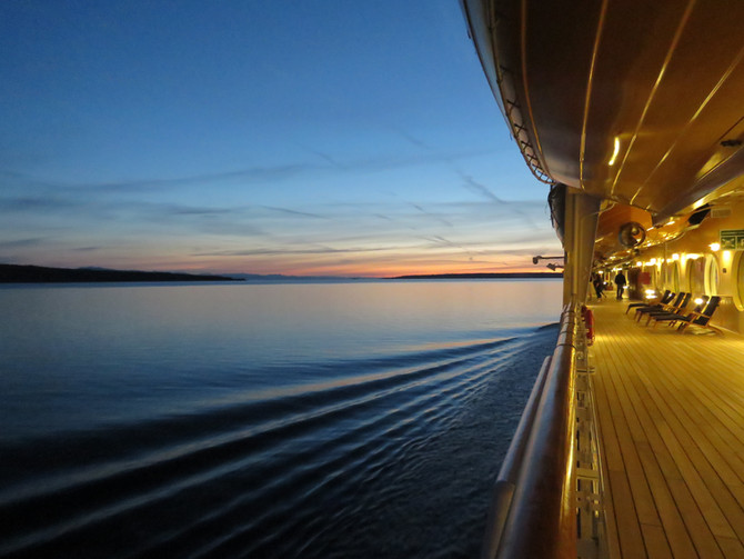 US CRUISES COULD RESTART BY MID-JULY