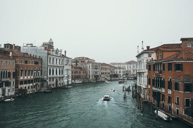 Image by Ludovico Lovisetto