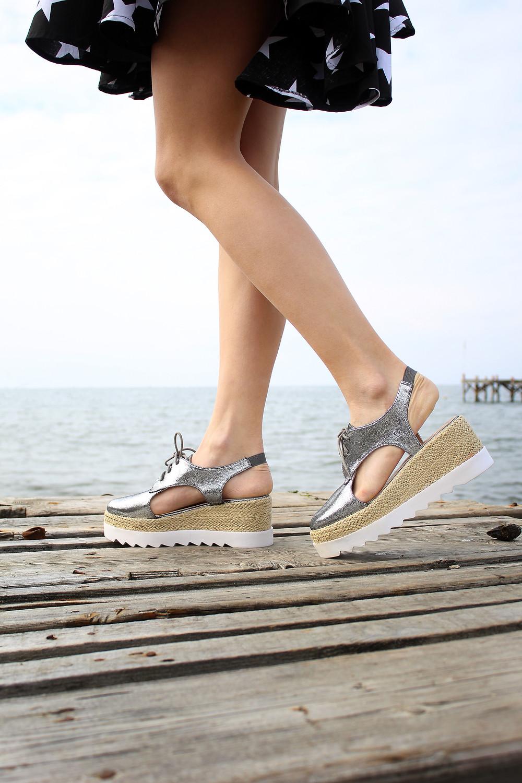 Cut Out Flatform Sandals