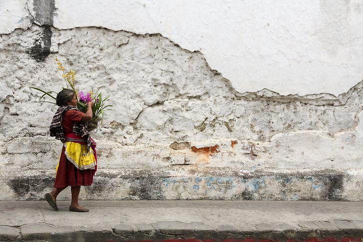 antigua guatemala, mayan wome, flowers
