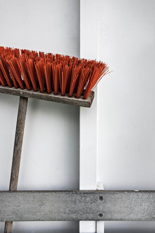 Broom standing up challenge