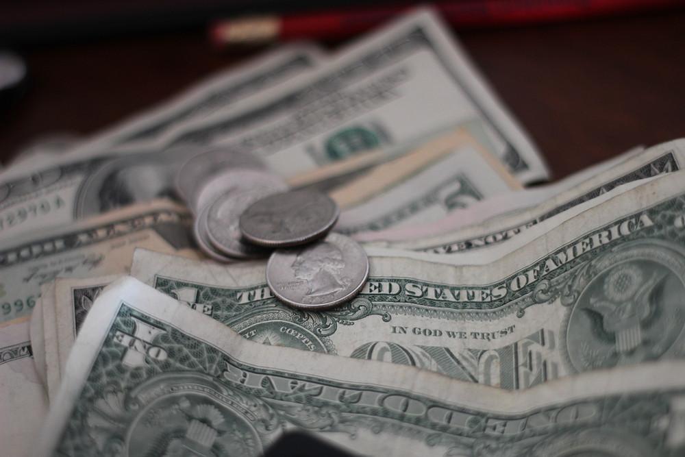 מטבעות ודולרים
