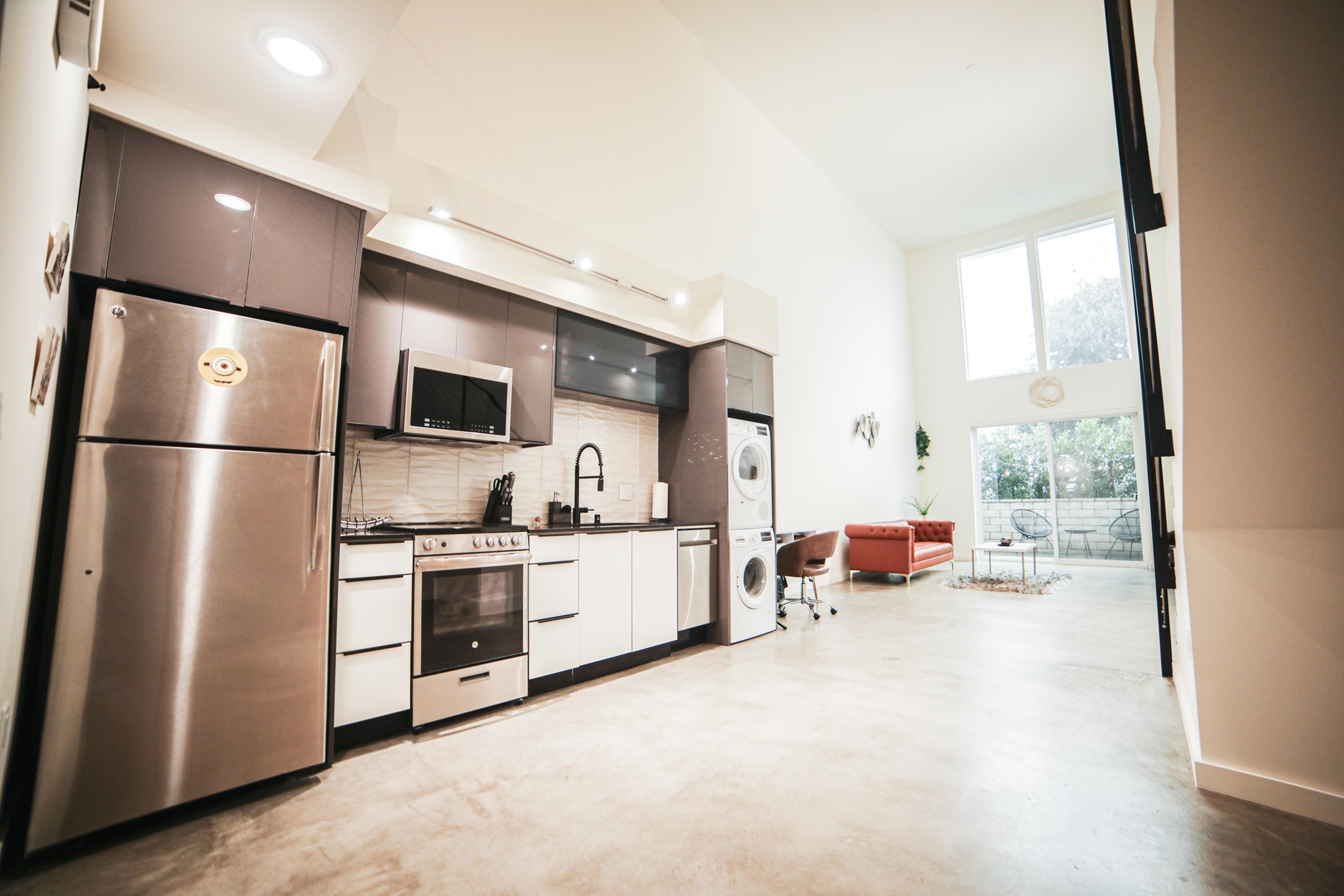 DOMESTIC Interior Floor Clean