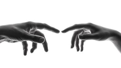 hand met brandwonde
