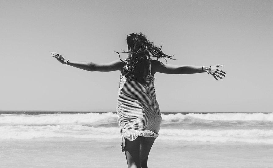 happy-woman-at-beach