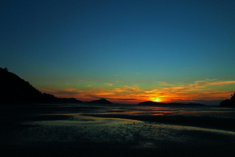 Calming sea-scape sunset