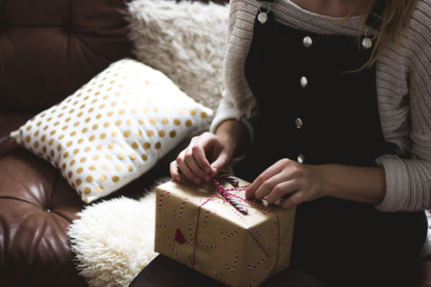 15 Best Christmas Gift Ideas for Her | Unique Artisan Gifts to Buy for Mum, Sister or Friends