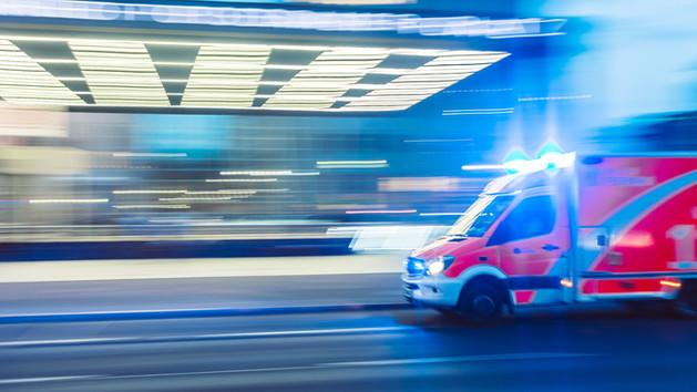 Ötujjas szabály − ezt tedd, ha a gyerekhez mentőt kell hívni!