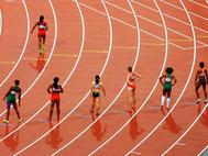 Semenya reclaims 5000m title