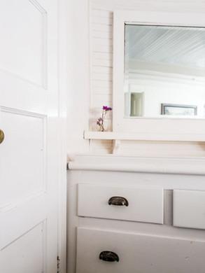 bathroom cabinet designer