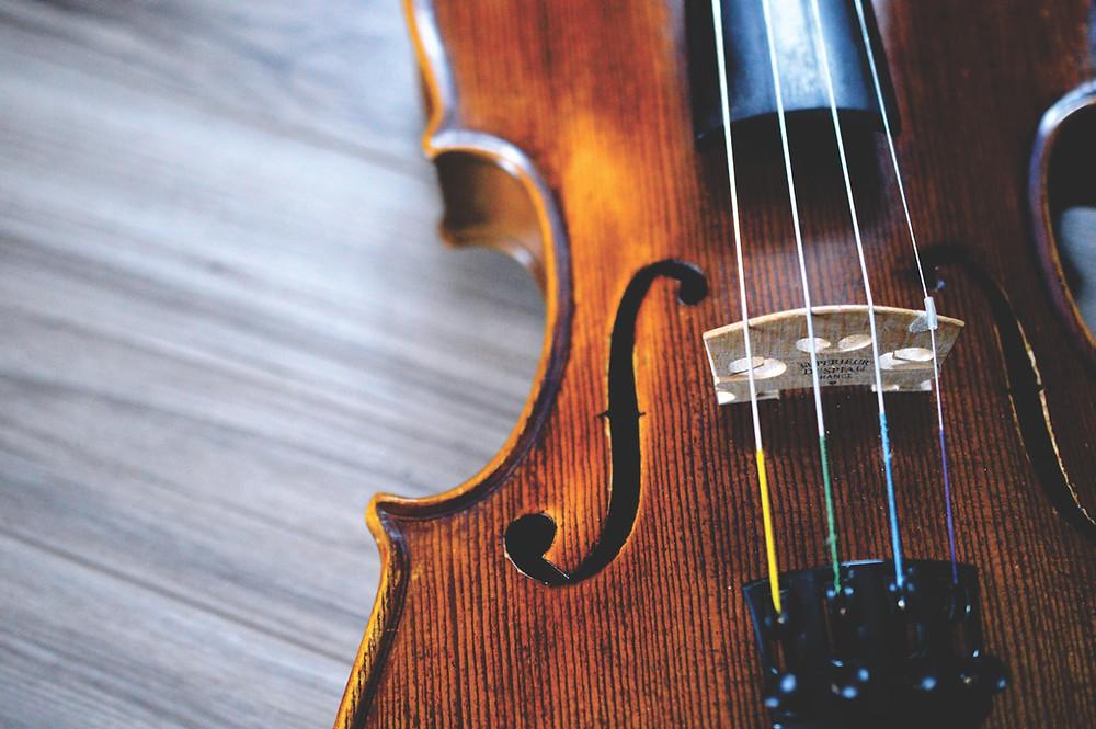 Close-up image of violin