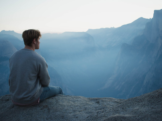 Wie unsere Gedanken unser Glück beeinflussen & warum wir nicht alles glauben sollten, was wir denken