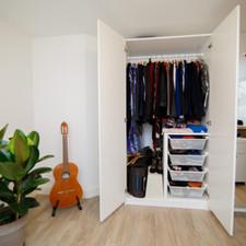 Wardrobe Detox Image by Zoe van Poetsprins.nl