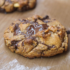 עוגיות חמאה אגוזים ושוקולד