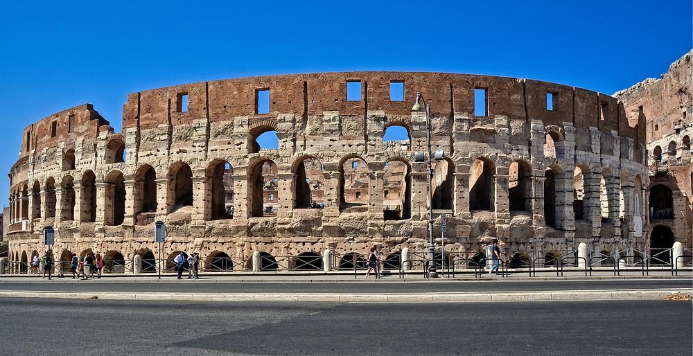 the exterior facade of the Colosseum
