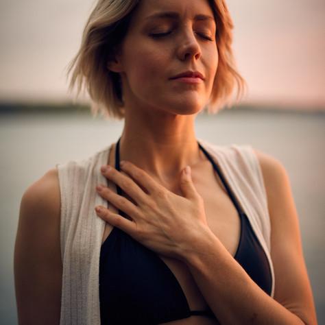 Warum Yoga bei Essstörungen hilft