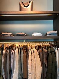 7 Dicas para organizar seu armário de roupas.